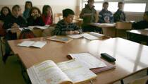 Školske učionice na Kosovu pretrpane