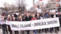 Hiljade građana marširaju protiv KEK-a