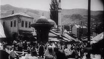 Sarajevo 1920. godine: Krcata Baščaršija, žene u evropskoj nošnji sa zarovima