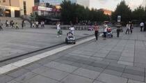 Dnevni Avaz u posjeti Kosovu: Ako zastava nema, onda tu nisu Albanci većina