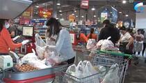 Tokom pandemije cijene hrane rastu, a plate se smanjuju