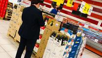 Prizren: Inspektori u kontroli u supermarketima