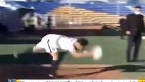 Iranac zabio gol iz auta nakon što je prethodno izveo salto