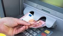 Šta se desi ako zaboravite uzeti novac sa bankomata?