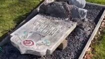 U Malmeu oskrnavljeno muslimansko mezarje, porušeno deset nišana