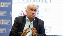 """Baze: O """"pokajanju"""" Albina Kurtija koji razdvaja Albaniju i Kosovo"""