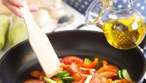 Majstori kulinarstva otkrivaju: Je li bolje kuhati u ulju ili u maslacu?