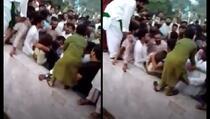 Više od 400 muškaraca zlostavljalo ženu na trgu u Pakistanu
