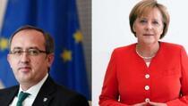 Hoti zahvalio Merkel na podršci tokom dijaloga sa Beogradom