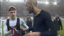 Mladi igrač Aston Ville zamijenio dres sa Fabinhom pa trčao za njim i molio za povratak