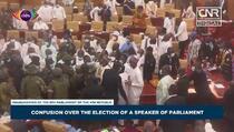 Haos u Gani: Masovna tučnjava zastupnika u parlamentu