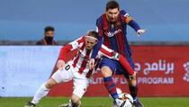 Pogledajte kako je nervozni Messi u stilu MMA borca nokautirao rivala