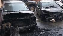 U vožnji joj se zapalio auto, zaustavila ga, vatra zahvatila i drugi