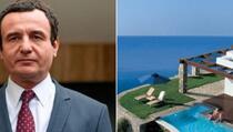 Gazeta express: U Dečanima vanredno stanje, a Kurti u luksuznom odmaralištu u Grčkoj