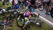 Uhapšena žena koja je kao domine porušila 50-tak biciklista na najvećoj utrci svijeta