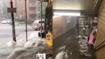 Snažna oluja zahvatila New York: Poplavljene ulice, građani uznemireni