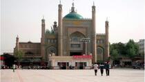 Kineske vlasti Ujgurima uništile 8.500 džamija