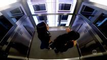Brazilska skrivena kamera: U liftu je i pad let!