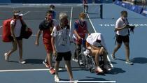 Španska teniserka doživjela toplotni udar, teren napustila u kolicima