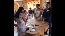 """Mladoženja nasmijao sve na vjenčanju kada je trebao da izgovori """"da"""""""