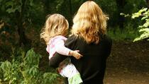 Pandemija posebno pogodila samohrane majke na Kosovu