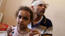 Otac i kći jedini preživjeli od sedmeročlane palestinske porodice: Molio sam Boga da mi uzme dušu