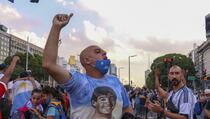 """Demonstracije pod sloganom: """"Pravda za Maradonu koji nije umro, ubili su ga"""""""