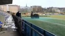 Letonci ofarbali teren zbog bolje slike u TV prijenosu