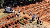 Porodice tuguju dok Brazil dostiže cifru od 400.000 umrlih od covida