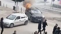Sjeverna Mitrovica: Zapaljeni automobili u blizini mosta