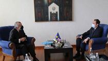 Vlada Kosova protiv UNMIK-a
