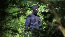 Objavljeni snimci kako maskirani muškarci s oružjem hrvatske policije tuku migrante na granici sa BiH