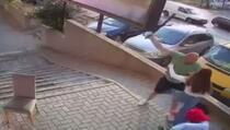 Napao tri djevojke u Prištini: Traži ga policija