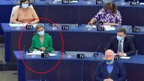 Pogledajte šta je Dankinja radila u Evropskom parlamentu dok je šefica EK izlagala izvještaj