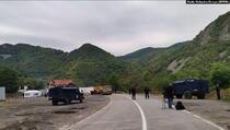 Treći dan blokade: Policija Kosova i demonstranti se ne povlače