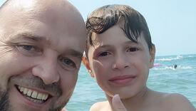 """Anes na plaži kod Ulcinja spasio dječaka: """"Mali je, čini mi se s Kosova"""""""