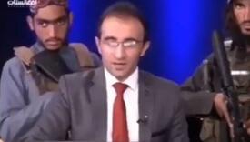 Pogledajte kako afganistanski TV voditelj čita vijesti pod budnim okom naoružanih talibana