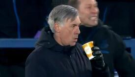 Šta je radio Carlo Ancelotti kada je Everton postigao gol za 5:4?