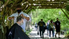 Nesvakidašnji gest jednog frizera: Mušterije šiša u parku, cijena po volji