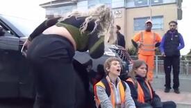 Povezla sina u školu i naišla na demonstracije: Prvo ih je zamolila da se maknu, a kad nisu poslušali…