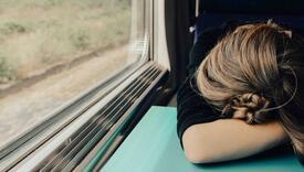 Djevojka zaspala u vozu, ono što je nepoznati muškarac tada napravio mnoge je oduševilo