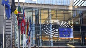 EK: Politička nestabilnost i rasprostranjena korupcija na Kosovu