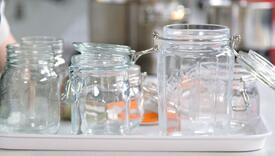 Da salate i džemovi duže traju: Evo kako da sterilizirate tegle