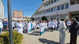 Ljekari protestvovali ispred Ministarstva zdravlja