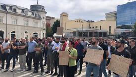 U Prištini grupa građana protestovala protiv obavezne vakcinacije