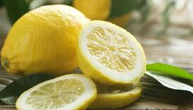 Odlično sredstvo: Pogledajte šta sve možete očistiti polovinom limuna