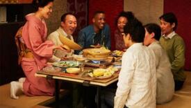 Znate li zašto Japanci sjede na podu dok jedu?