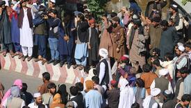Talibani na trgu izložili tijela obješenih otmičara za opomenu kriminalcima