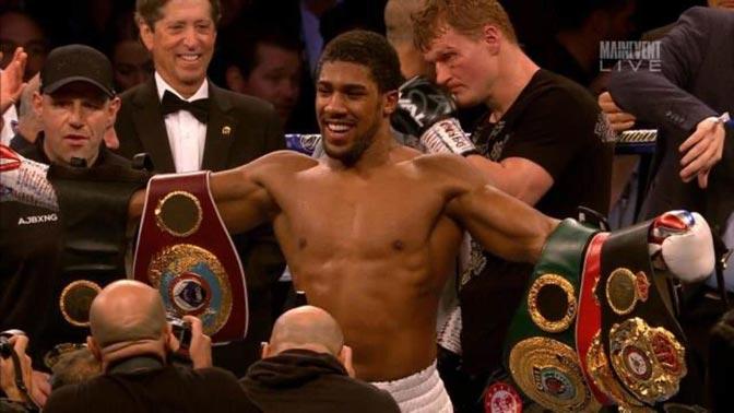 Prvak je po WBA, WBO, IBF i IBO verziji