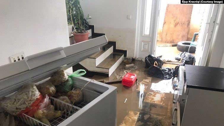 Poplavljena kuća Ejupa Krasnićija (Krasniqi) koji ocjenjuje da im je naneta šteta oko 3 hiljade eura